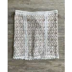 NWT KENDALL & KYLIE White Lace Skirt
